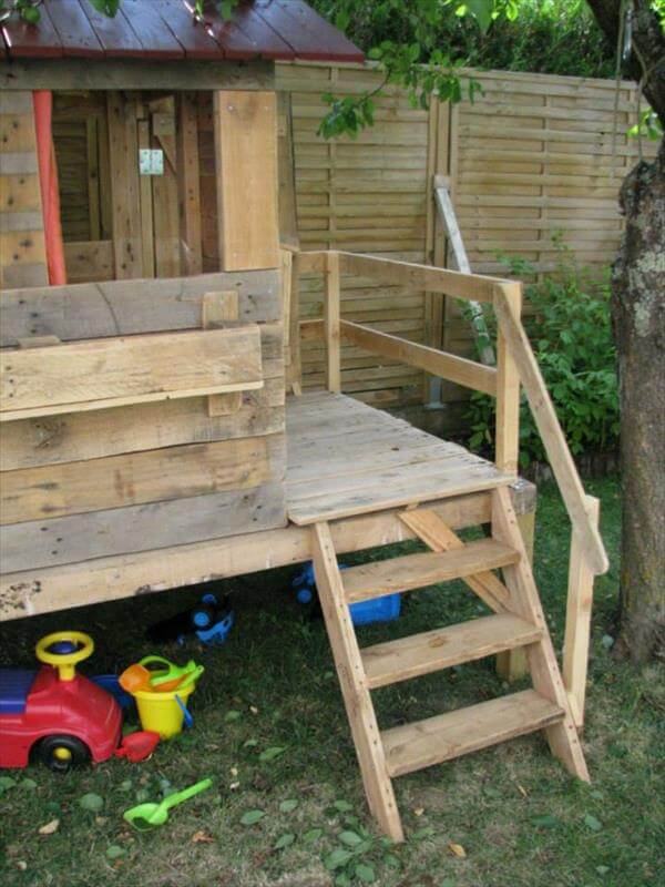 Pallet Playhouse 99 Pallets