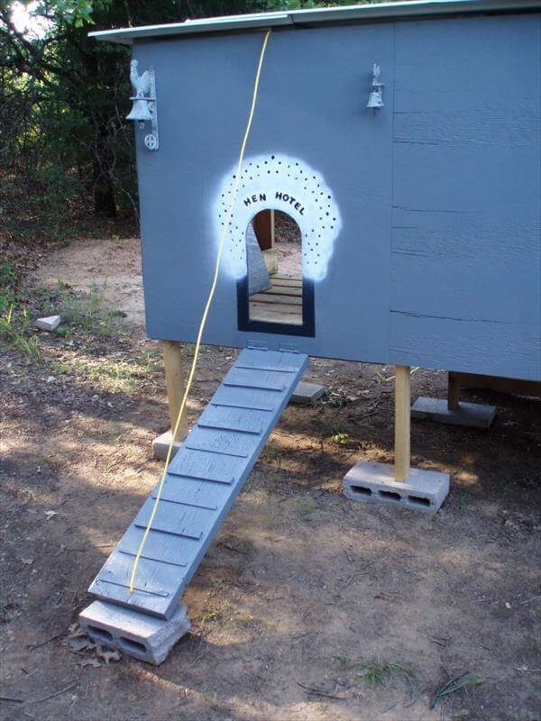 chicken coop entry path for hens