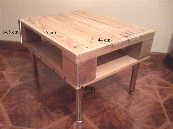 recycled pallet lamp table