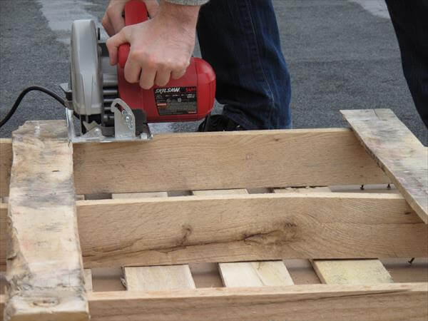 cutting pallet in about half
