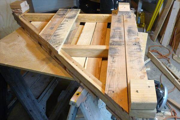 fixing of wooden squares at corners