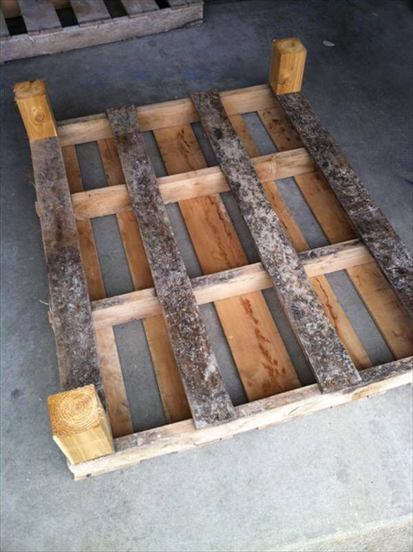 attachment of legs to coffee table