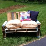 DIY Wood Pallet Chair With Cushions