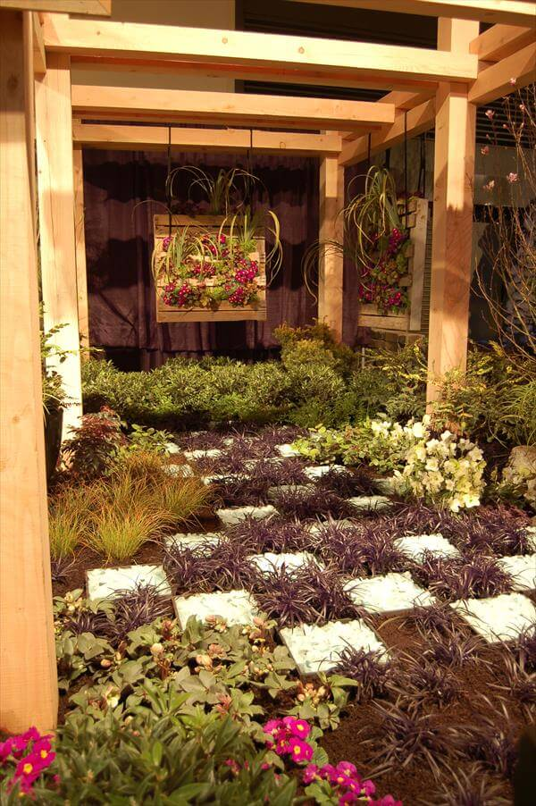 reclaimed pallet garden