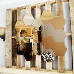 Rustic Pallet Hexagonal Mirror: Do It Yourself