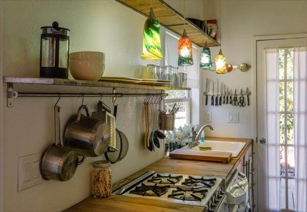 repurposed pallet kitchen