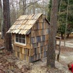 Free Of Cost: DIY Pallet Playhouse