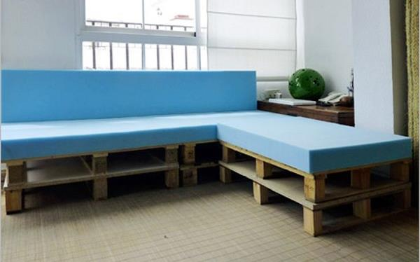 Diy pallet sectional sofa for living room 99 pallets - Sofas de palets reciclados ...