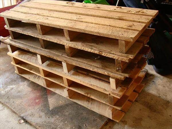 bunk arrangement of pallets