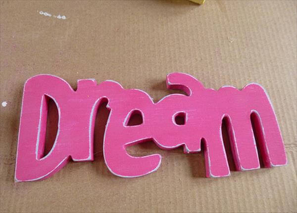 distressing of 3d word dream