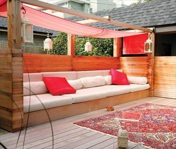 10 DIY Chic Pallet Sofa Ideas 99 Pallets