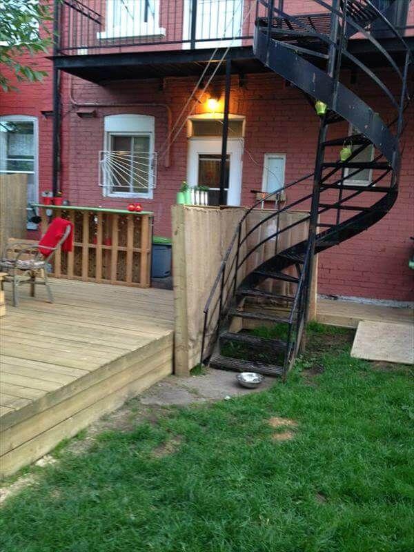 reclaimed pallet deck