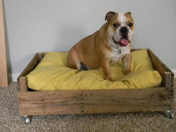 repurposed pallet dog bed