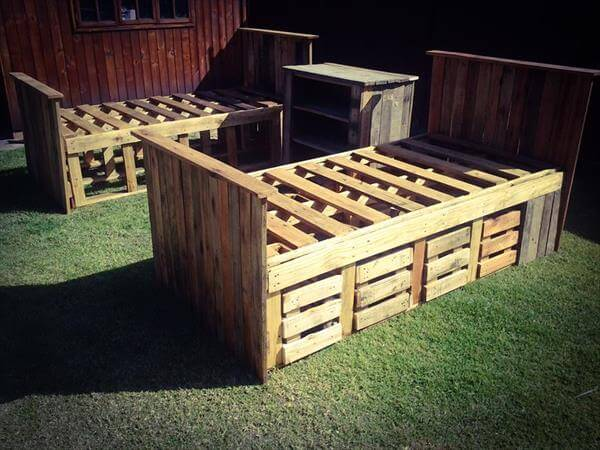 recycled pallet beds with storage