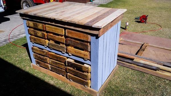 repurposed pallet beehive