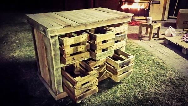 reclaimed pallet beehive