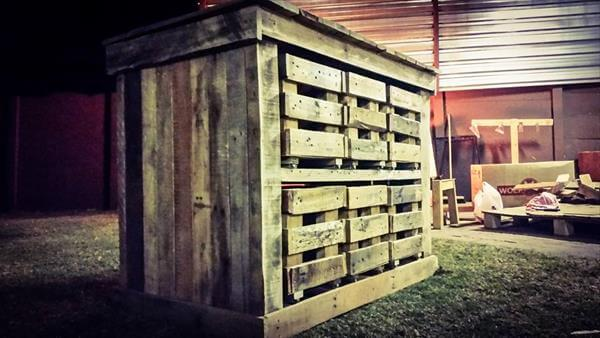 recycled pallet beehive
