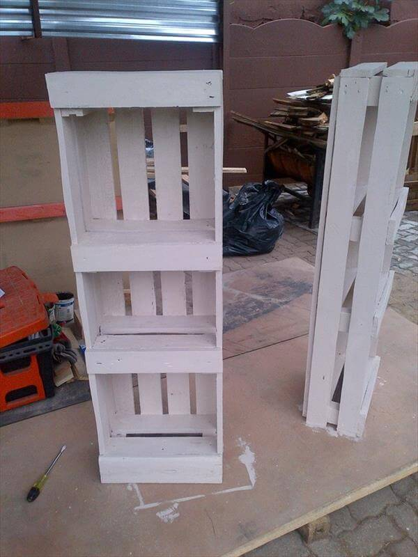 Pallet Bookshelf for Bedroom | 99 Pallets