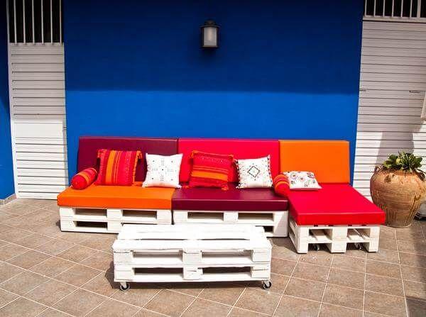 diy white pallet sofa. Black Bedroom Furniture Sets. Home Design Ideas