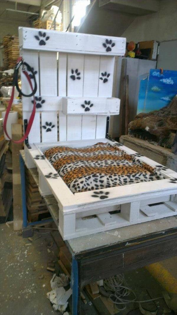 resurrected pallet pet bed