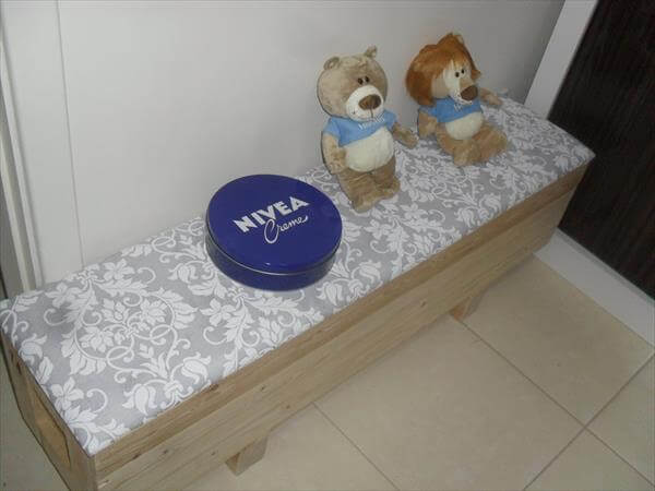 recycled pallet tiny cushioned bench