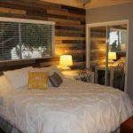 DIY Pallet Bedroom wall: Interior Improvements