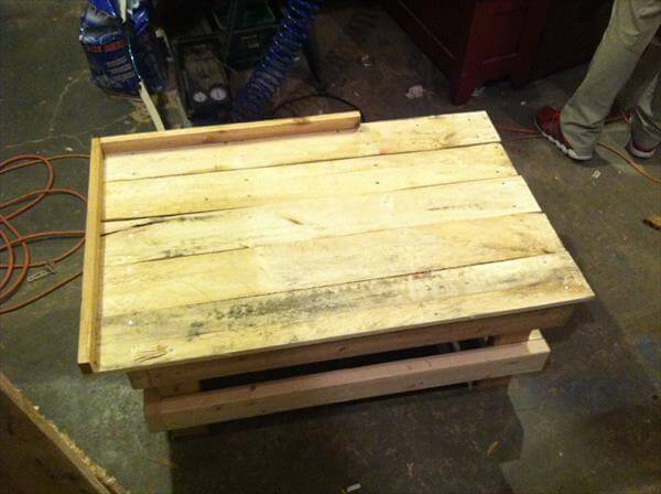 construction of dog bed