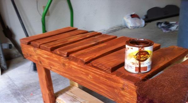 staining of pallet bench