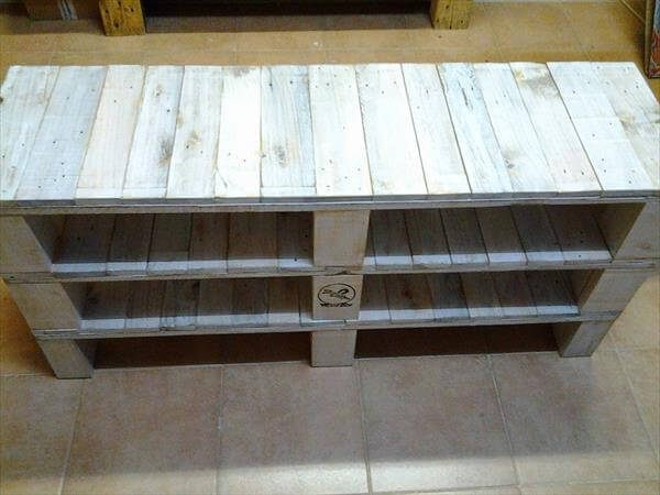 DIY Pallet Media Console Table And TV Stand 99 Pallets