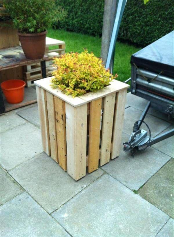 Pallet planter vertical flower pallet planter vertical garden pallet - Diy Easy Pallet Planter Box 99 Pallets