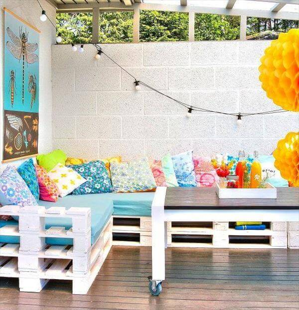outdoor sofa out of pallets