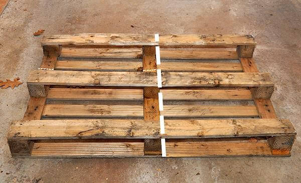 Diy rustic pallet decorative shelf 99 pallets - Fabriquer une etagere ...