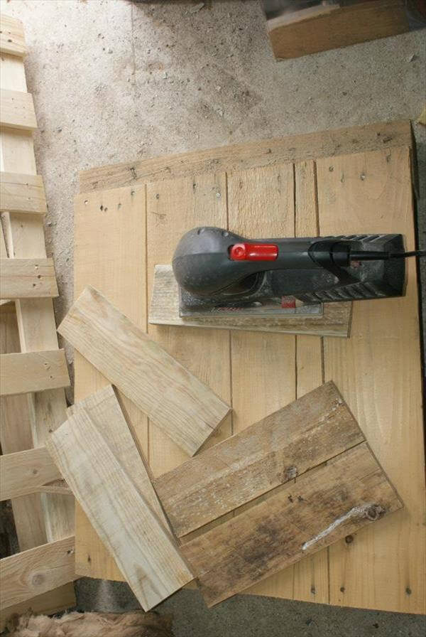 stripping and cutting of pallets