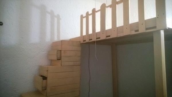 diy salvaged pallet stairs with storage