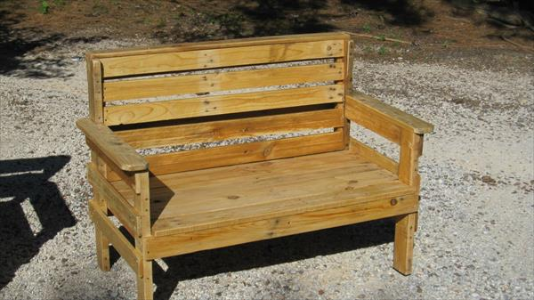 Diy outdoor pallet furniture 99 pallets - Garden bench out of pallets ...