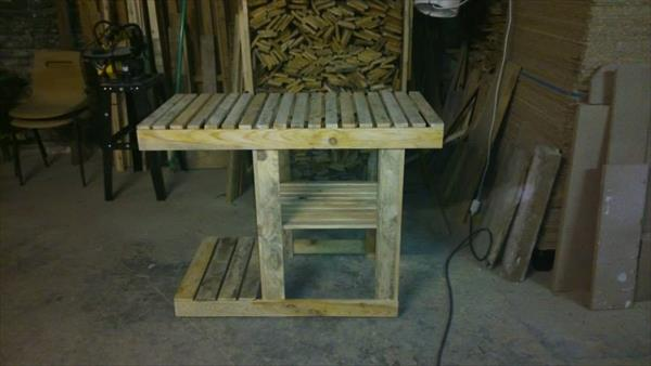 resurrected pallet barbeque table
