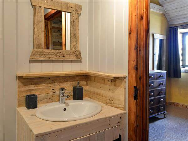 upcycled pallet bathroom development