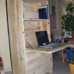 DIY Pallet Fold Out Computer Desk