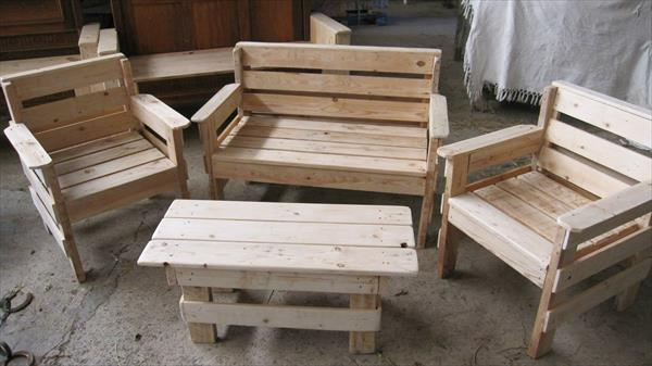 Outdoor Pallet Furniture Set | 99 Pallets