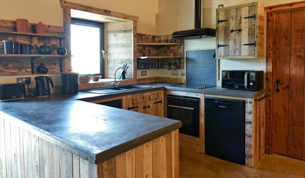 Island with cabinets wooden pallet kitchen island with cabinets - Home Interior Designing Project With Pallets 99 Pallets
