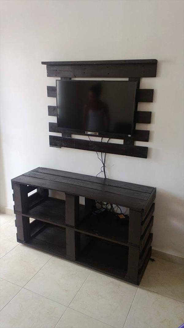 repurposed pallet media console and TV stand