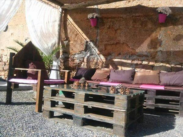 handcrafted pallet outdoor furniture