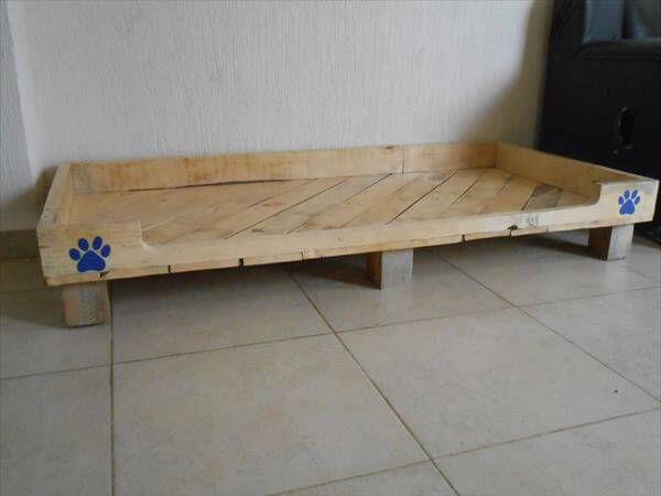 Pallet pet bed design 99 pallets for Diy wooden dog bed