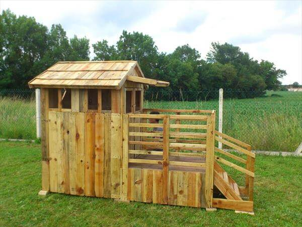 recycled pallet playhouse for kids