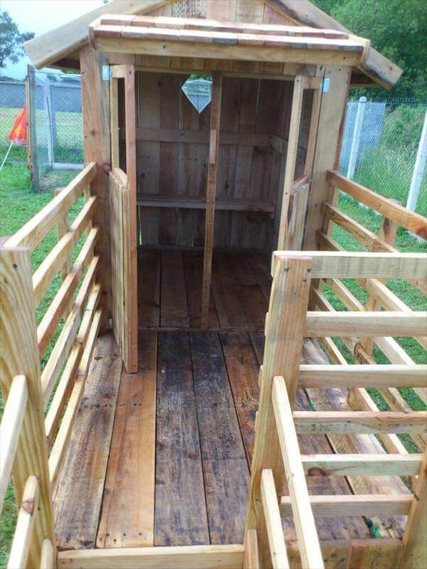 DIY Wooden Pallet Playhouse For Kids 99 Pallets