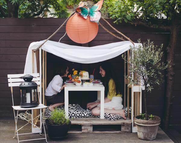 Diy Pallet Playhouse