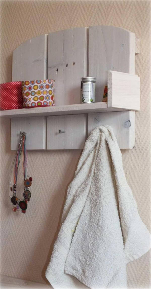 Diy Pallet Shelf And Towel Rack