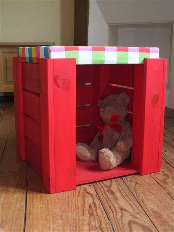 Diy Pallet Sitting Stool For Kids With Storage