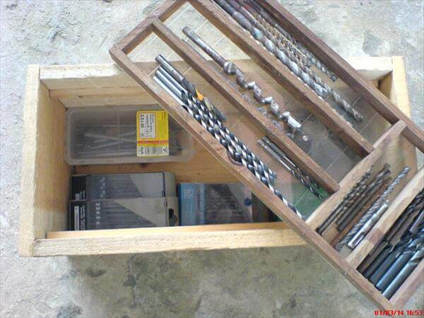 Tutorial pallet storage box for tools 99 pallets for Storage box made from pallets