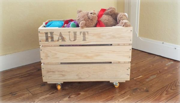 diy pallet toy storage box